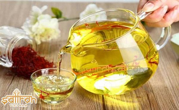 Cách uống nhụy hoa nghệ tây với mật ong