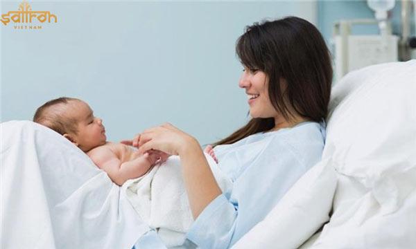Phụ nữ sau sinh là đối tượng được khuyên sử dụng saffron