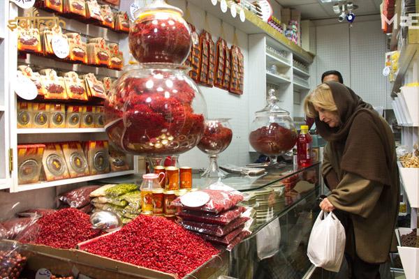 Các gian hàng bày bán nhụy hoa nghệ tây Dubai rất phổ biến
