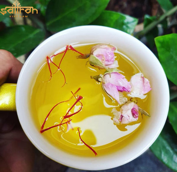 trà saffron hoa hồng