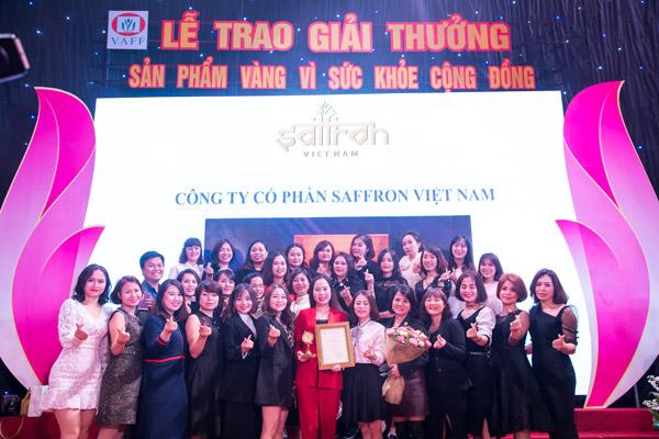 le-trao-giai-thuong-san-pham-vang-vi-suc-khoe-cong-dong