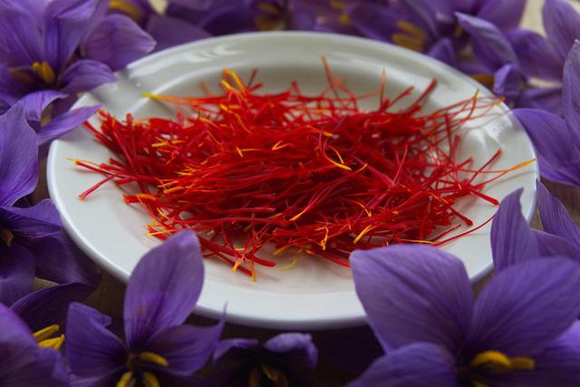 saffron-chat-luong