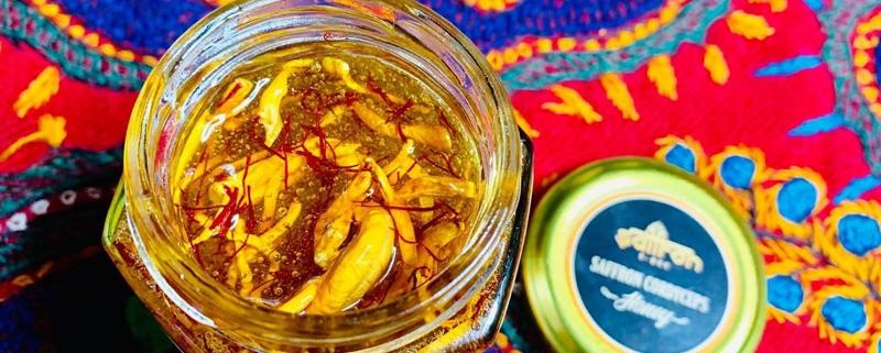 Saffron-ngâm-mật-ong-và-đông-trùng-hạ-thảo---kháng-sinh-tự-nhiên-cho-sức-khỏe