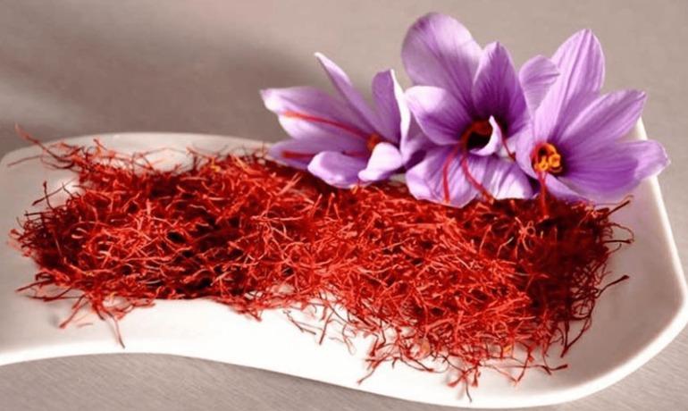 tac dung saffron