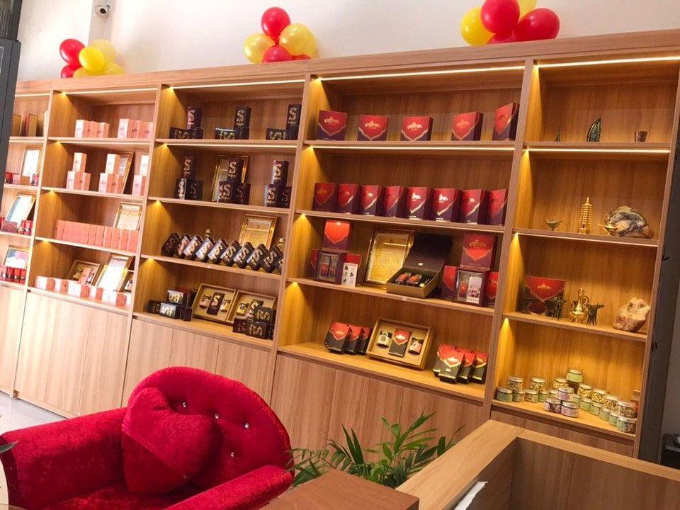 showroom saffron vietnam ch鱈nh h達ng