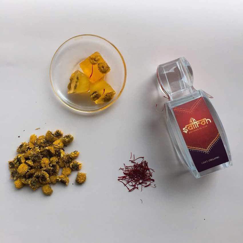 Đá saffron hoa cúc